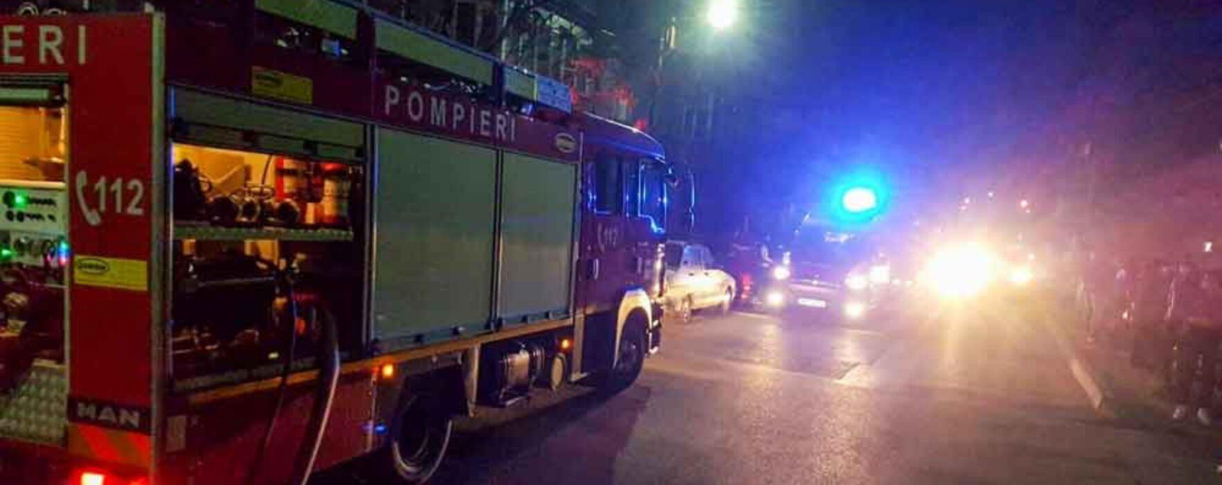 Dâmboviţa: Incendiu într-un bloc din Găeşti, 50 de locatari evacuaţi