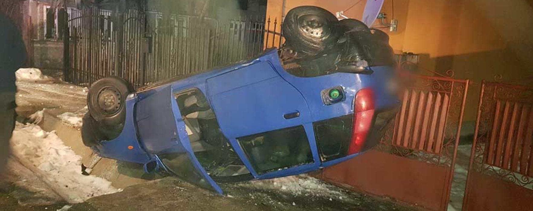 Șotânga: Şofer în vârstă de 18 ani a derapat şi s-a răsturnat cu maşina
