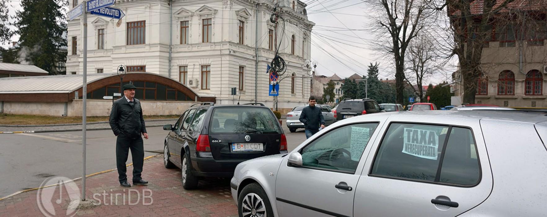 Dezbateri aprinse în CL Târgovişte vizând maşinile de vânzare de pe domeniul public (audio)