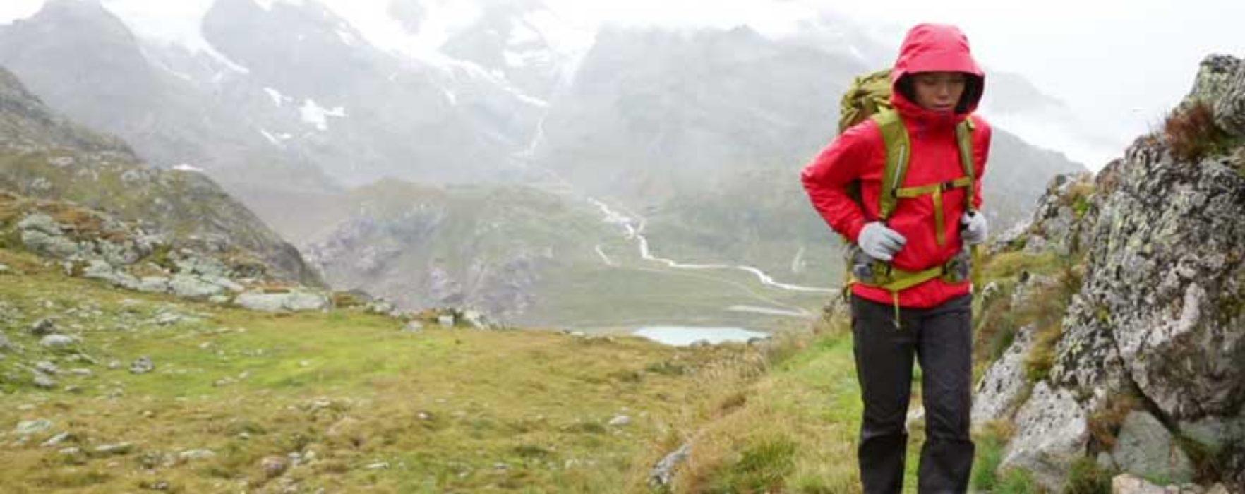 Dâmboviţa: Trei bărbaţi rătăciţi în zona montană Leaota, căutaţi cu elicopterul SMURD