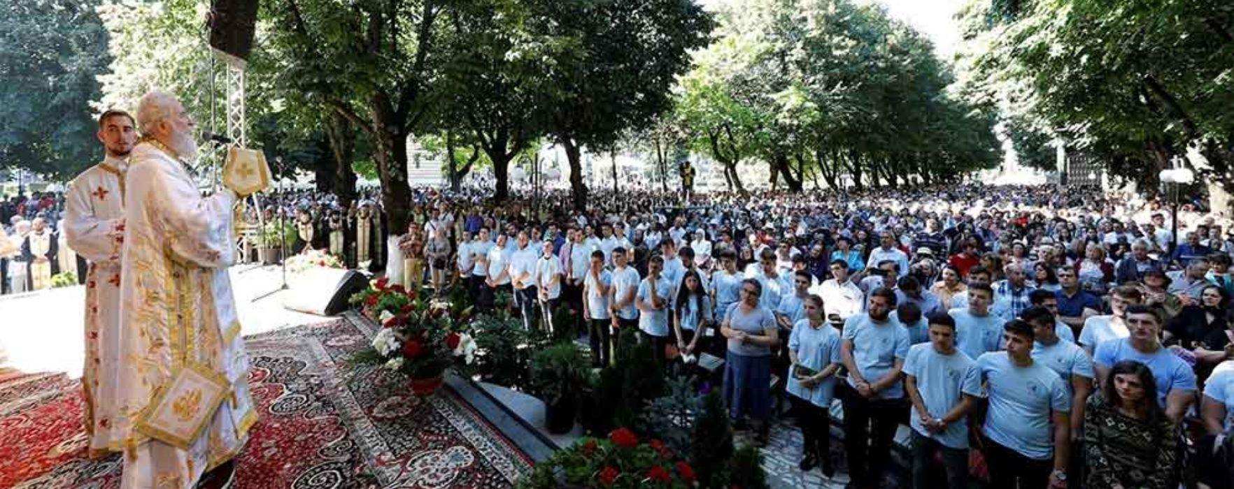 Arhiepiscopia Târgoviştei: Peste 20.000 de credincioşi au venit la manifestările de Sf. Nifon