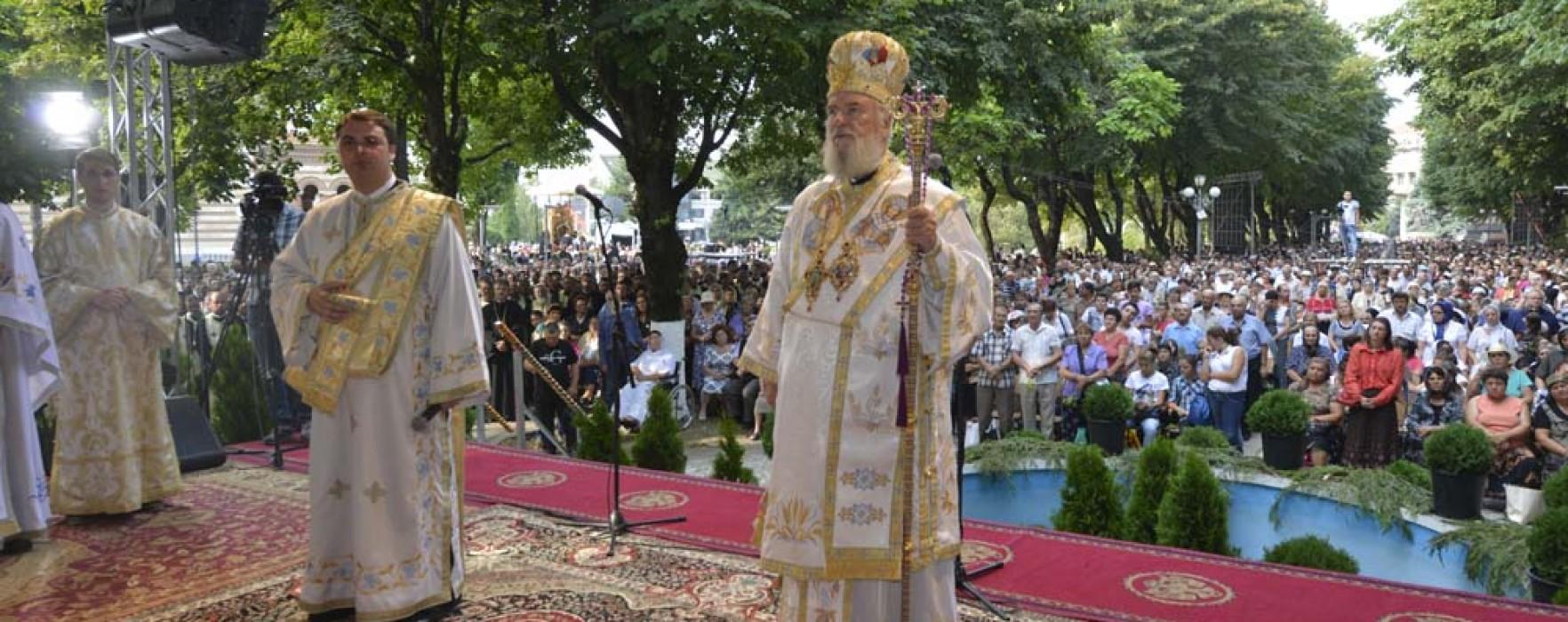 Arhiepiscopia Târgovişte: 20.000 de credincioşi la manifestările de Sf. Nifon
