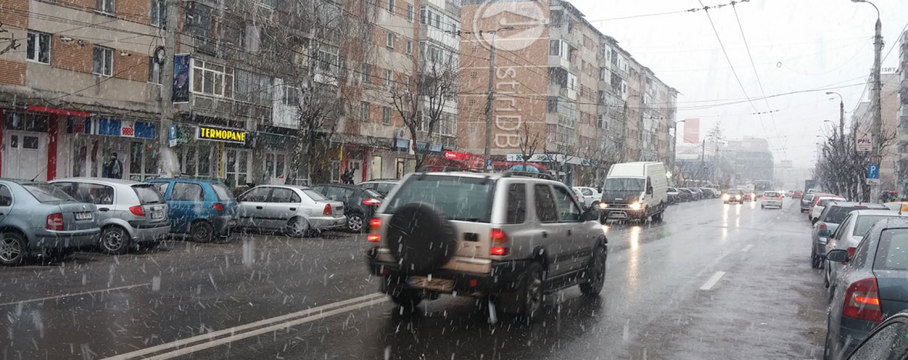 Târgovişte: După ninsoarea de joi, vremea îşi revine