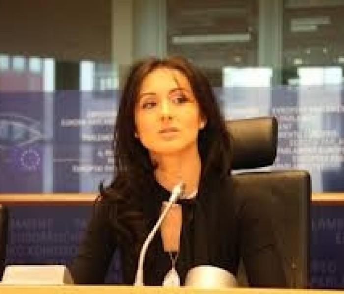 Europarlamentarul Oana Antonescu: Solicit Guvernului să retragă legea privind proiectul de la Roșia Montană