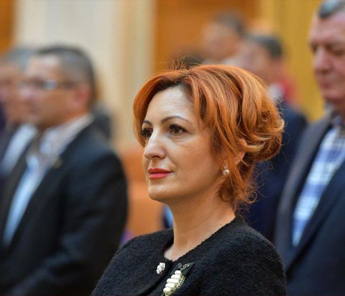 Oana Vlăducă, deputat Pro România: Mircea Diaconu schimbă atmosfera de blat din campanie