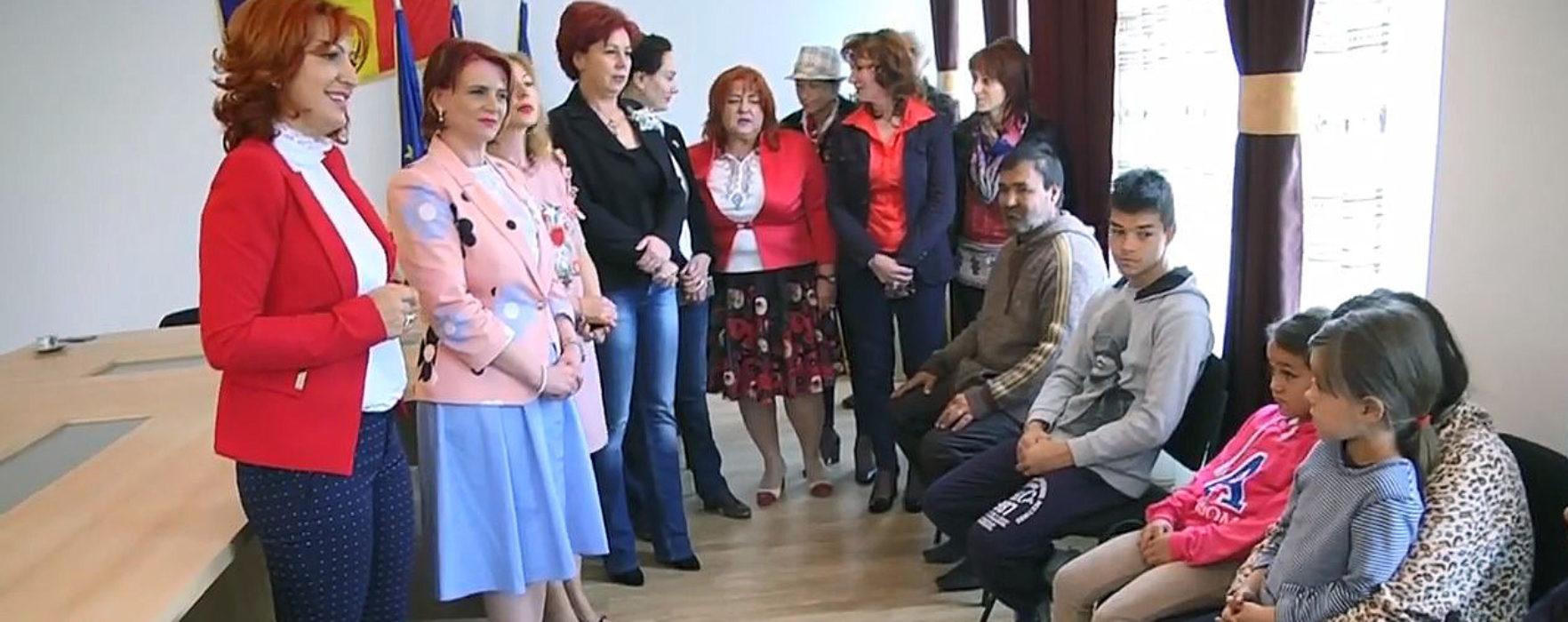 Doicești: Acțiune socială a organizației de femei a PSD Dâmbovița pentru trei familii defavorizate