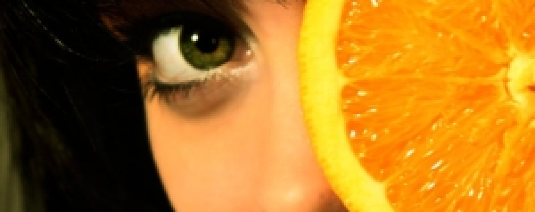 """""""Dacă oferi cuiva o portocală, se îndrăgosteşte de tine"""". 10 superstiţii ciudate legate de mâncare"""