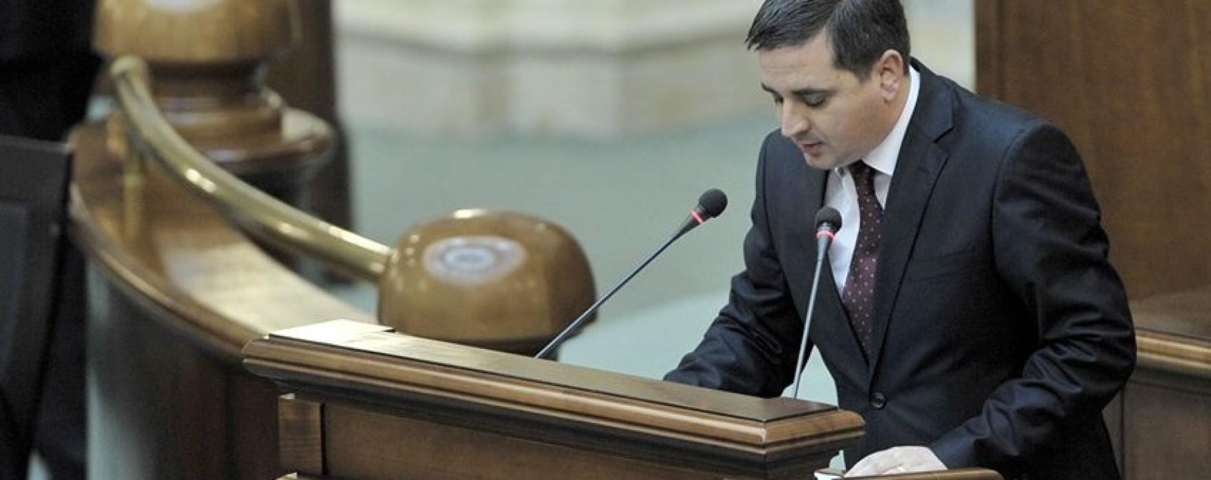Senatorul Ovidiu Isăilă şi-a dat demisia din grupul parlamentar al PDL şi va activa în PSD