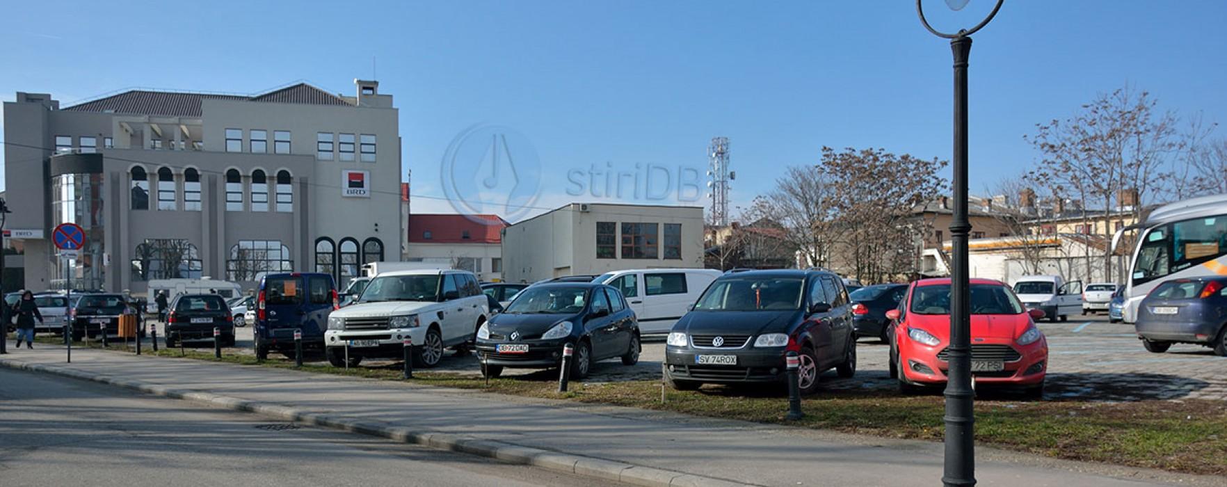Târgovişte: Jumătate din parcarea de lângă BRD e a primăriei; se parchează gratis