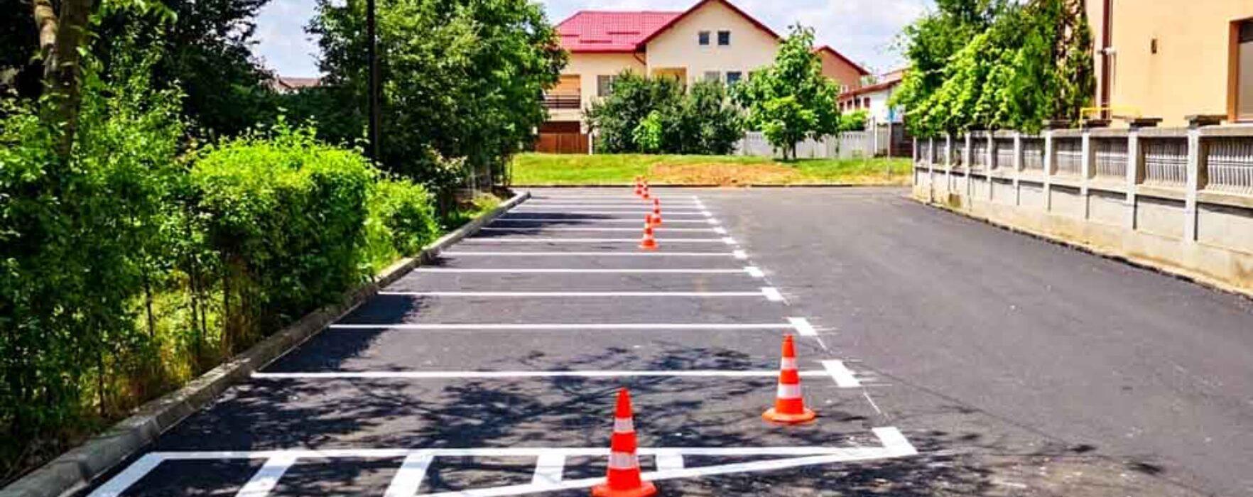 Târgovişte: Asfaltare, dezafectare garaje şi creare de noi locuri de parcare în micro 2