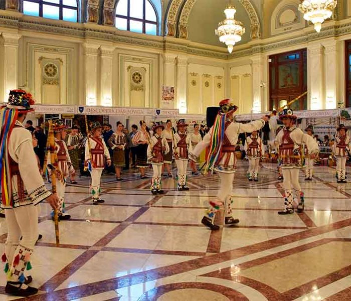 Descoperă Dâmbovița – momente artistice şi expoziție de produse, la Palatul Parlamentului