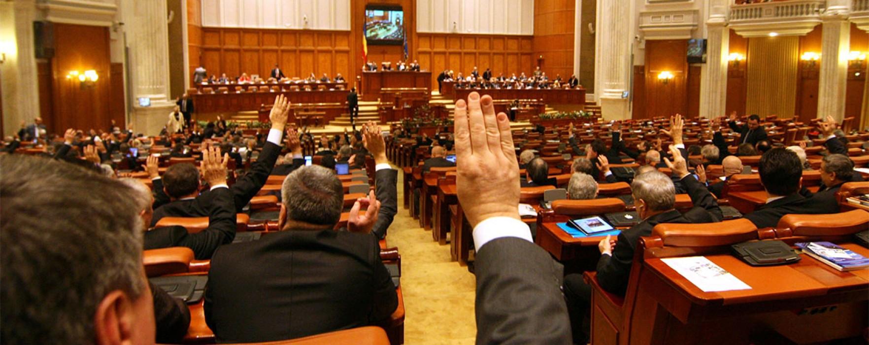 Victor Ponta, propunere: Parlamentarii să nu deţină mai mult de două mandate consecutive