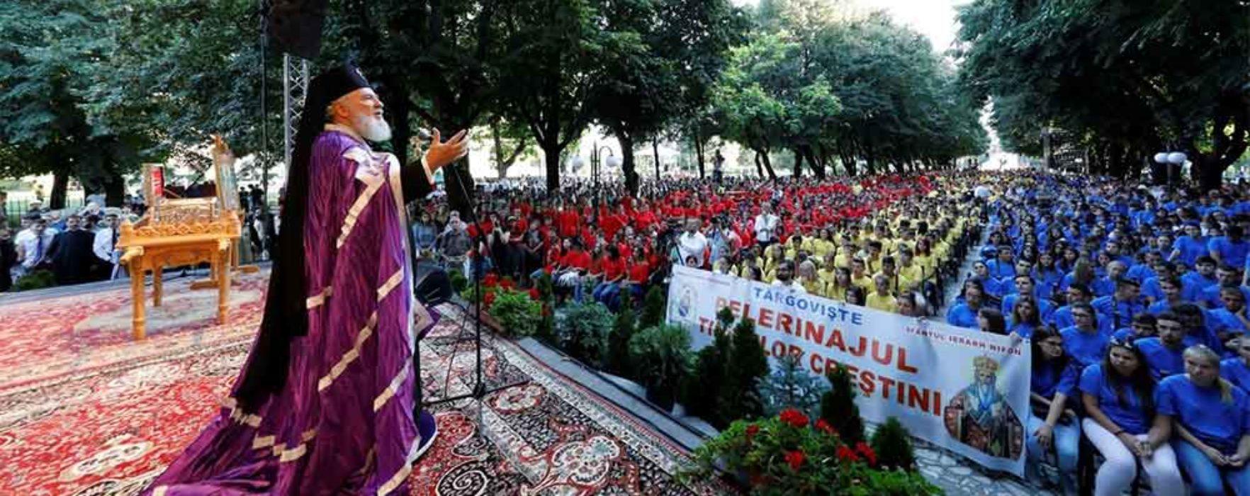 Manifestări Sf. Nifon – pelerinajul tinerilor din Arhiepiscopia Târgoviştei (video)