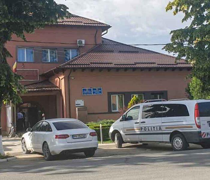 Dâmboviţa: Primarul din Cojasca şi şase funcţionari, reţinuţi de Poliţie