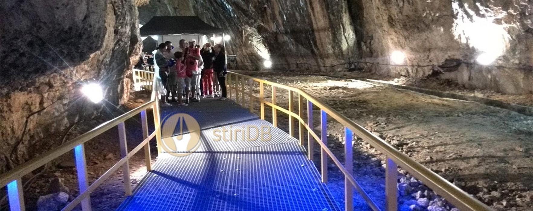 85.000 de turiști la Peştera Ialomiţei, după lucrările de reabilitare finalizate în iulie