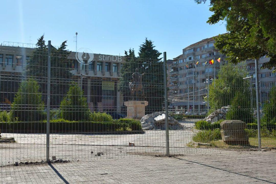 Târgovişte: Piaţa Mihai Viteazul a intrat în reabilitare