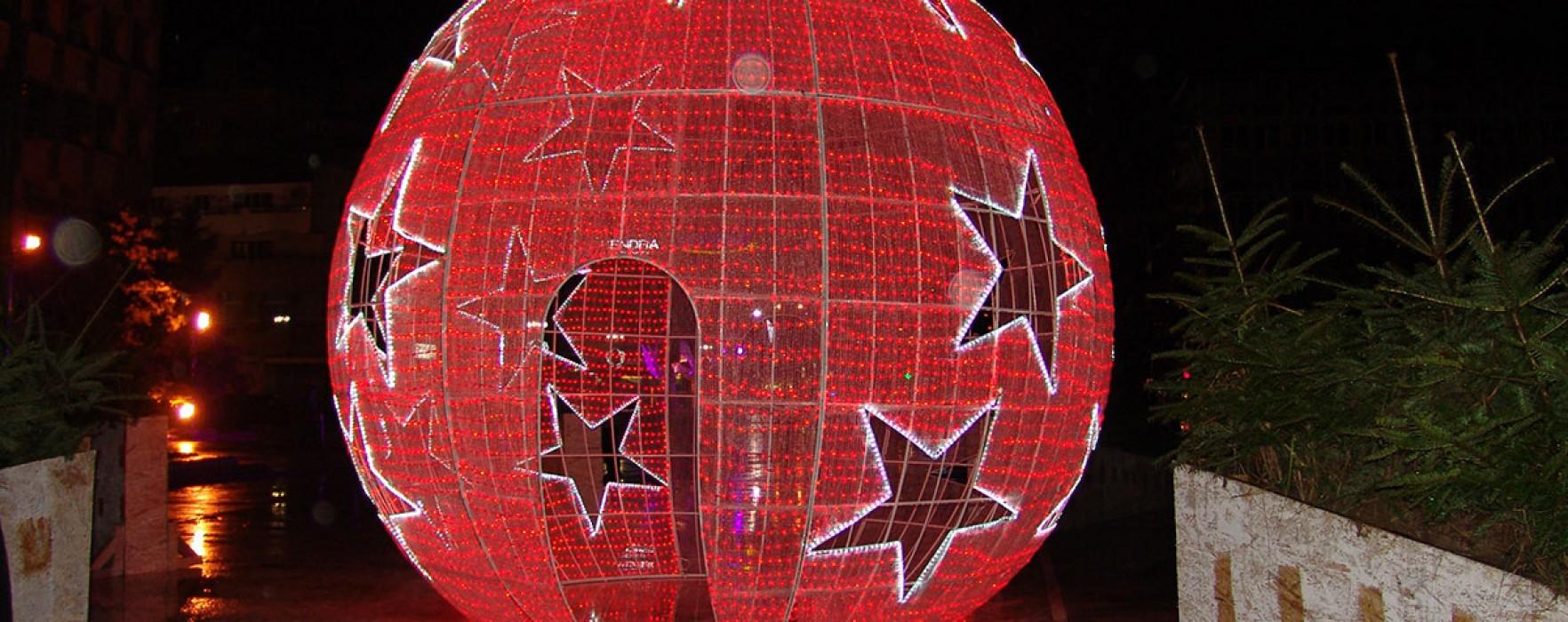Târgovişte: Au fost aprinse luminile de sărbători