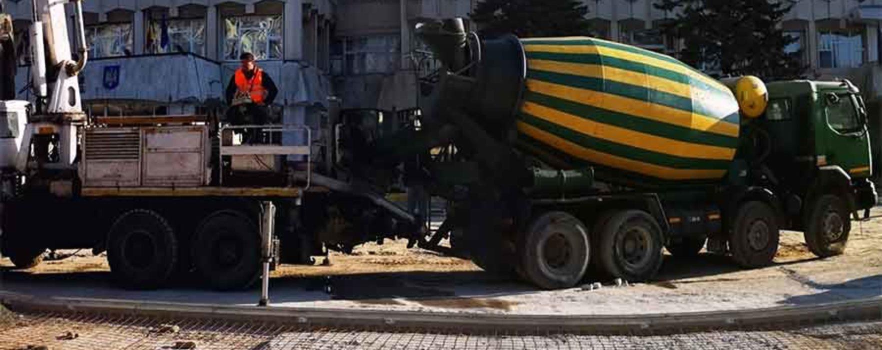 Târgovişte: Platoul Prefecturii va fi reabilitat, se va pune granit şi va fi amplasat mobilier urban