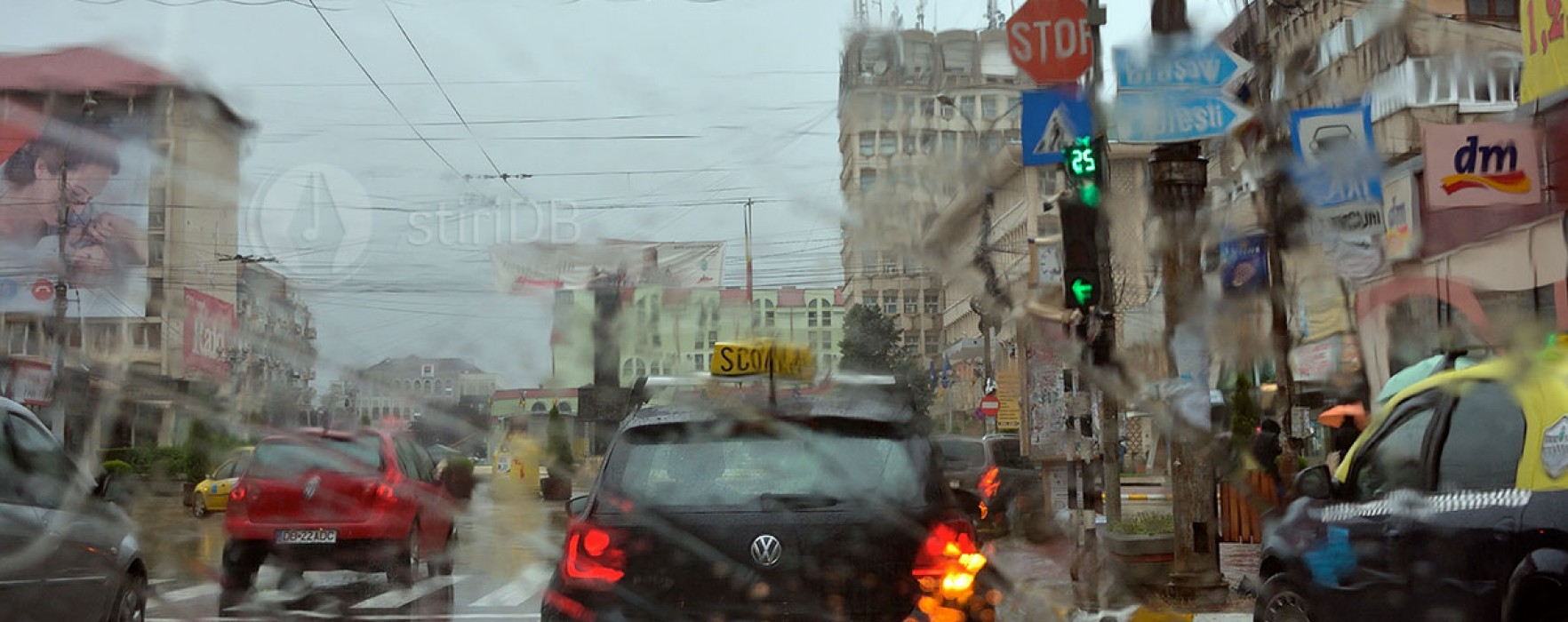 Dâmboviţa: Cod Galben de ploaie şi vreme rece, în weekend