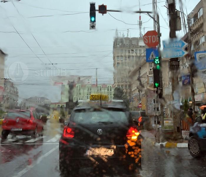 Meteorologii anunță ploi și ninsori pentru zilele de marți și miercuri