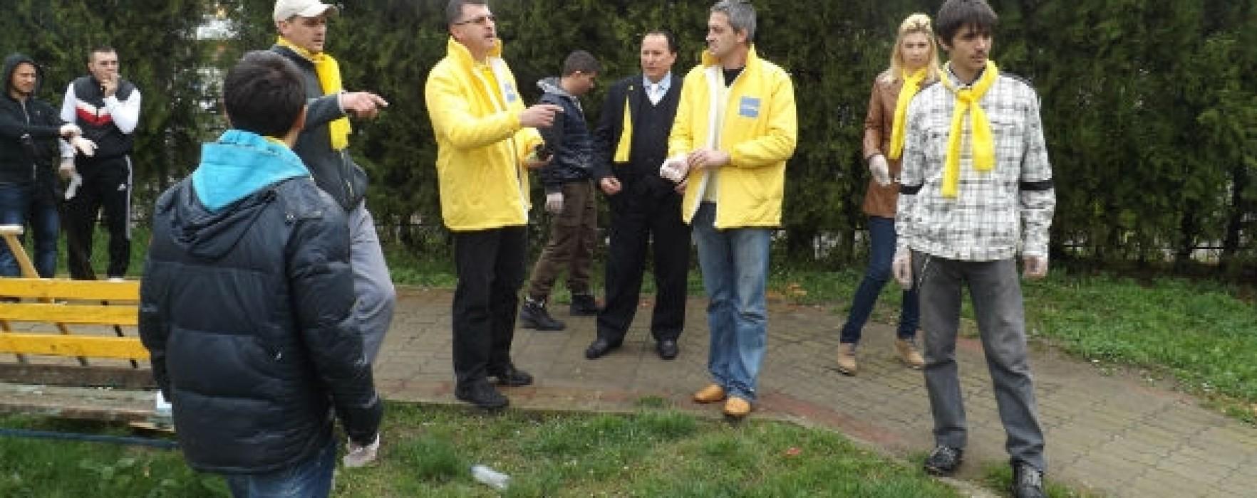 PNL Târgovişte, voluntariat pentru ecologizarea unui loc de joacă
