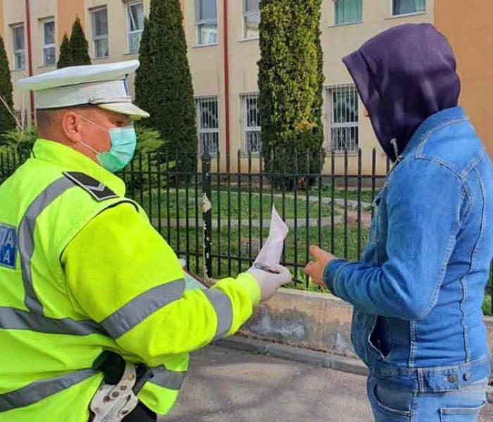 Dâmboviţa: 83 de persoane amendate pentru că nu purtau mască