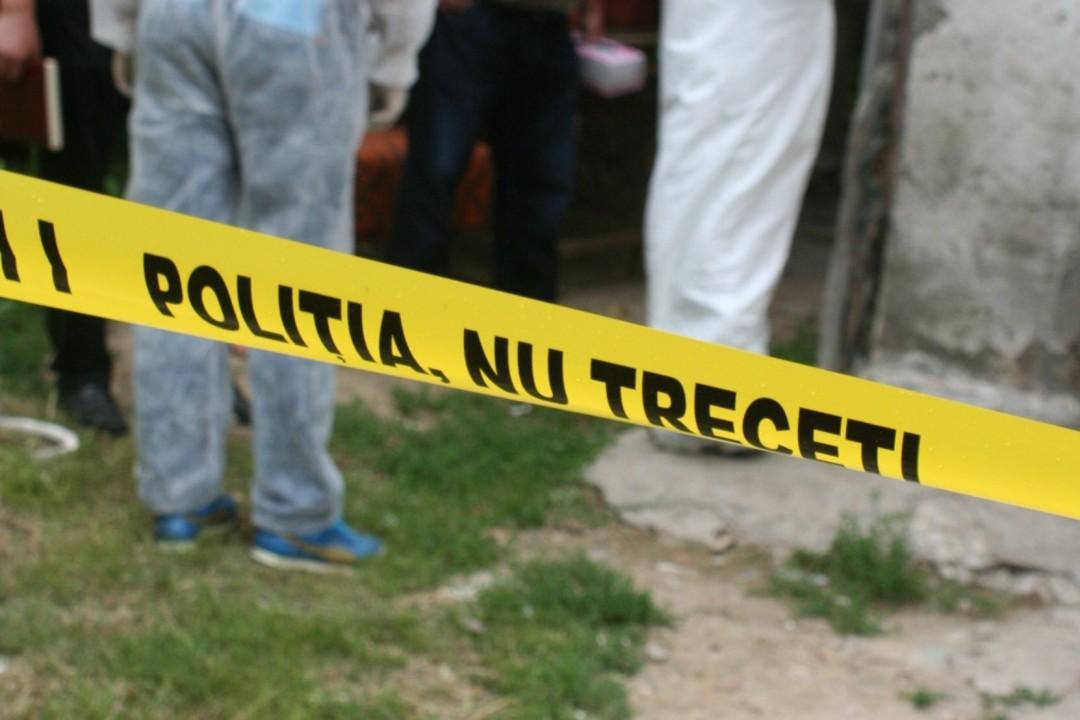Dâmboviţa: Adolescent de 16 ani, găsit spânzurat într-o pădure din spatele casei