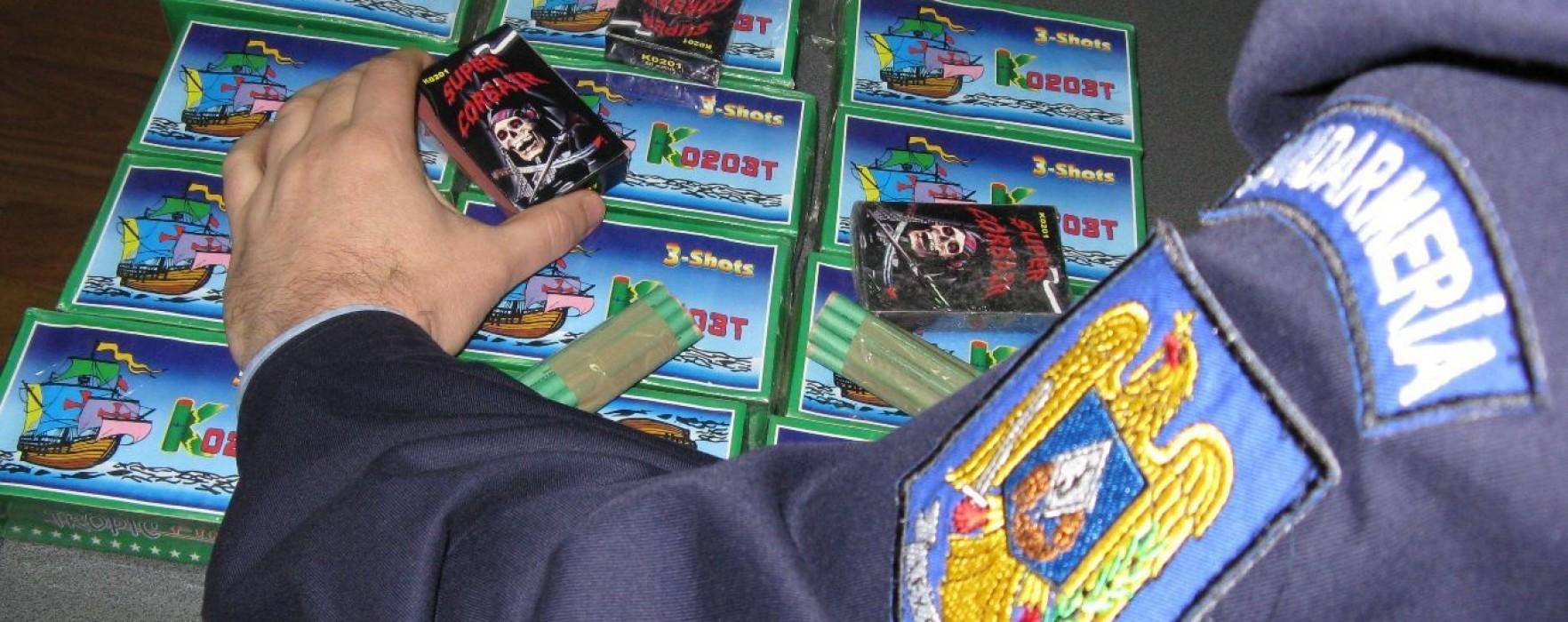 Percheziţii: Poliţiştii dâmboviţeni au confiscat 200.000 de articole pirotehnice
