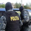 Dâmboviţa: Grupare infracţională specializată în trafic şi consum de droguri de risc, destructurată; 12 percheziţii efectuate