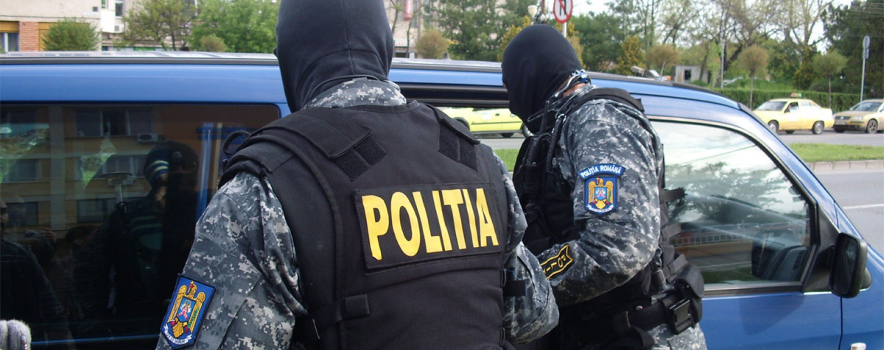 Poliţia Dâmboviţa: Percheziţii la persoane bănuite de sustragerea de combustibil din maşini pe A1