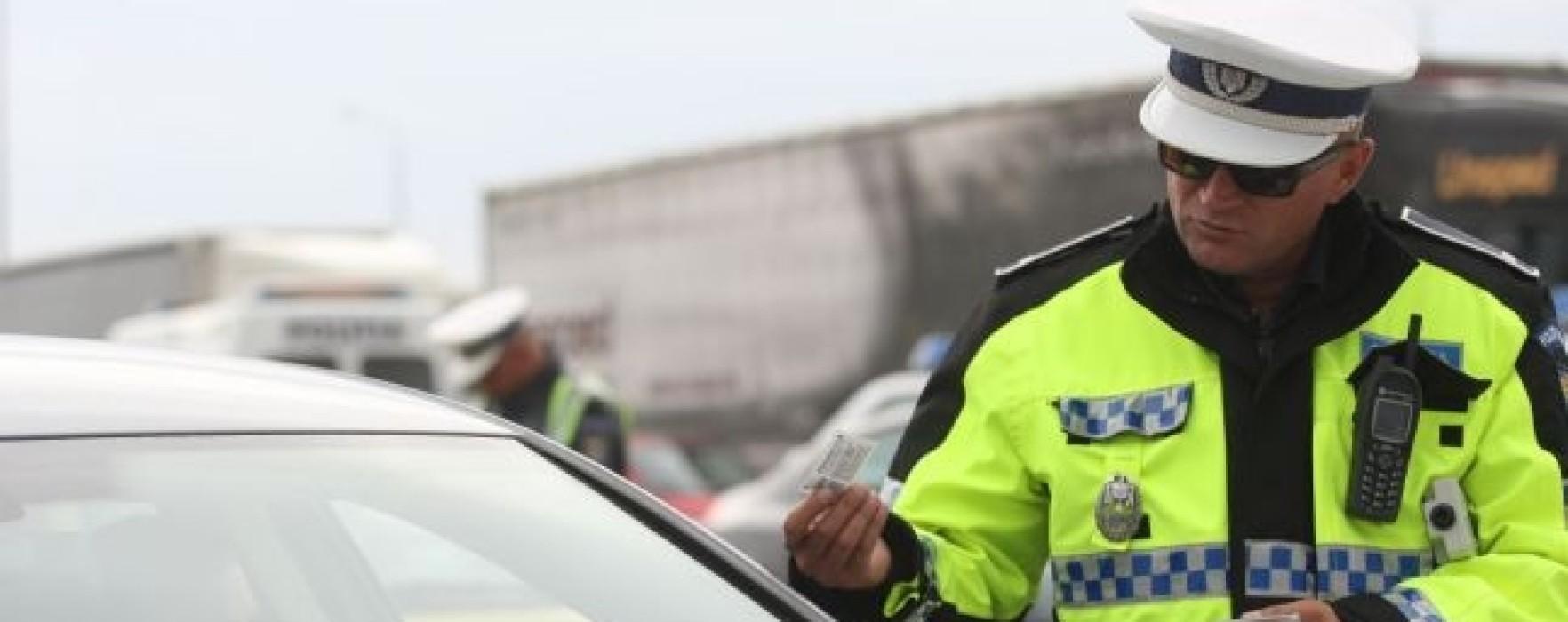 Dâmboviţa: Acţiune a Poliţiei pe DN 71 şi DN 72; unul din trei şoferi controlaţi a luat amendă