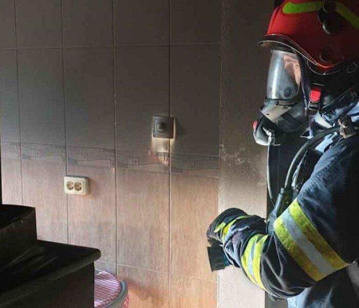Târgovişte: Incendiu la bucătăria unui apartament din municipiu