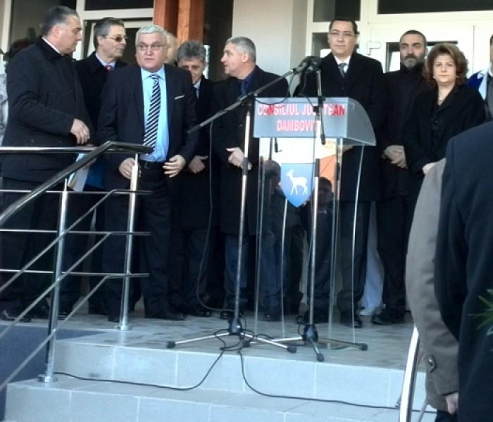 Victor Ponta, prezent la inaugurarea lucrărilor de la Spitalul Judeţean Târgovişte (video)