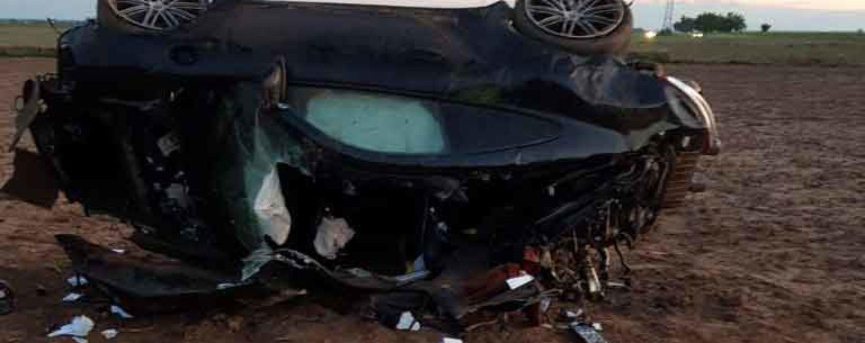 Dâmboviţa: S-a răsturnat cu maşina şi a murit; Poliţia a găsit în autovehicul două plase cu bani
