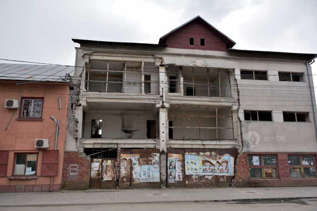 Târgovişte: Impozit mărit cu 500% pentru clădirile aflate în stadiu avansat de degradare