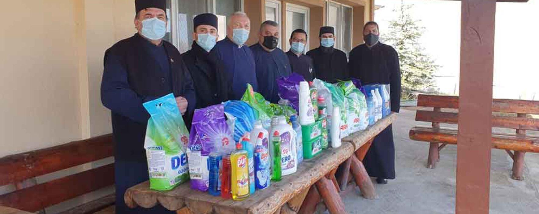 Dâmboviţa: Sprijin din partea mai multor parohii pentru Căminul de bătrâni din Bălteni