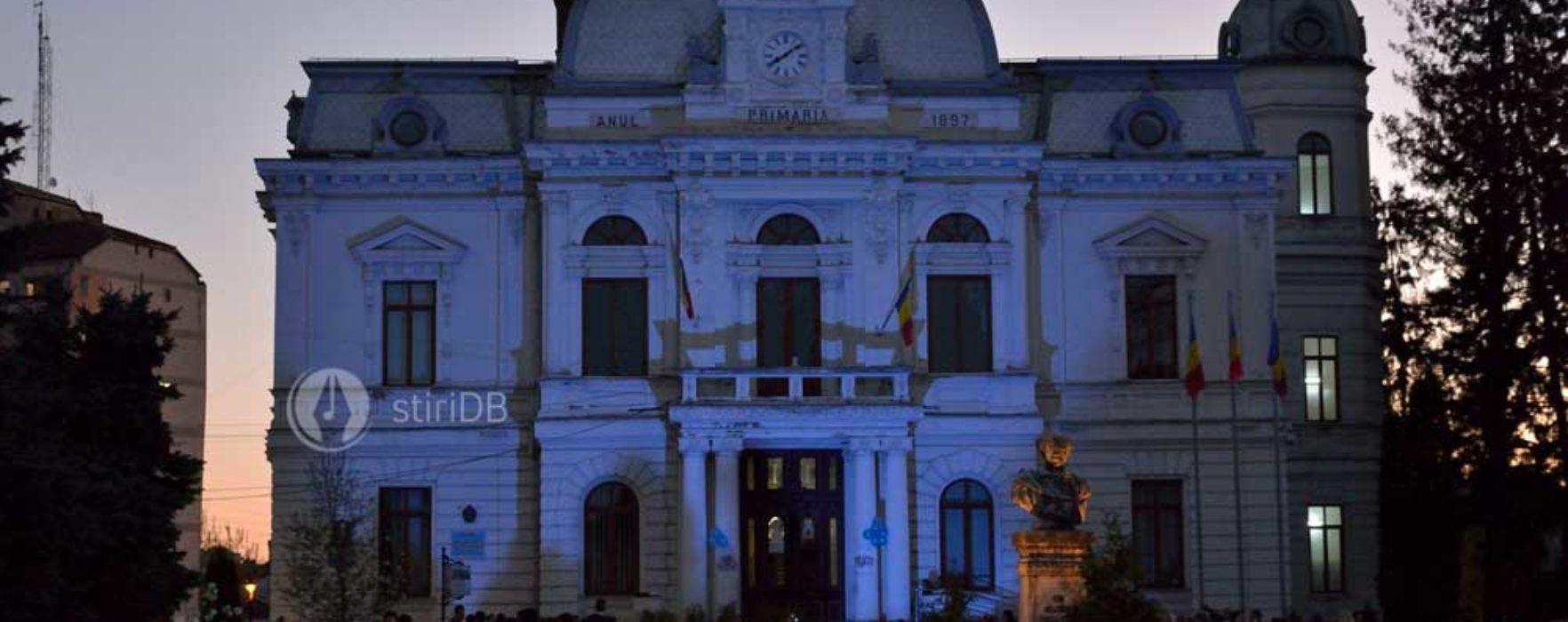 Primăria Târgovişte va fi luminată în albastru, pentru a marca Ziua Internaţională de Conştientizare a Autismului