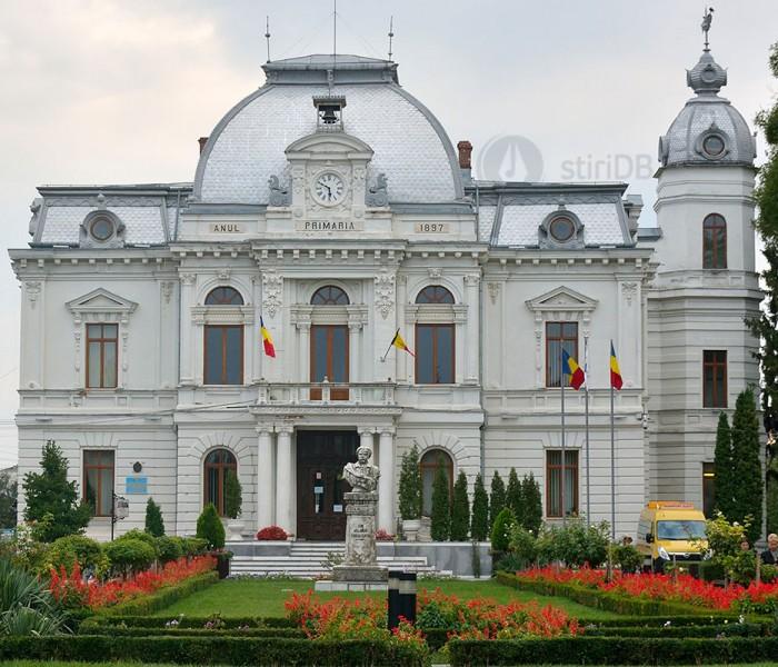 Primăria Târgovişte va distribui câte două măşti de protecţie şi două perechi de mănuşi fiecărui locuitor