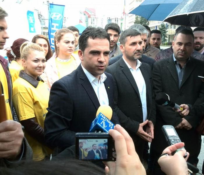 Târgovişte: Trecerea lui Ciprian Prisăcaru la PSD, o dezamăgire pentru susţinătorii săi din PNL