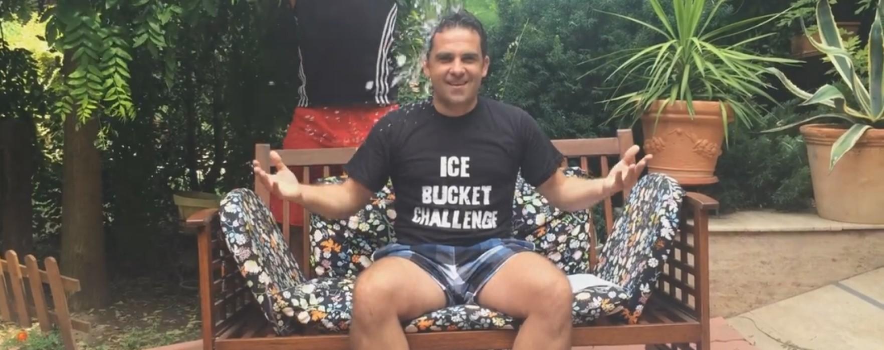 Ciprian Prisăcaru a acceptat provocarea de a-şi turna apă cu gheaţă în cap (video)
