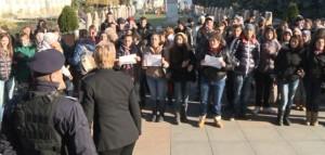 protest elevi frig