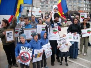 protest-rosia-montana-21-sept-03