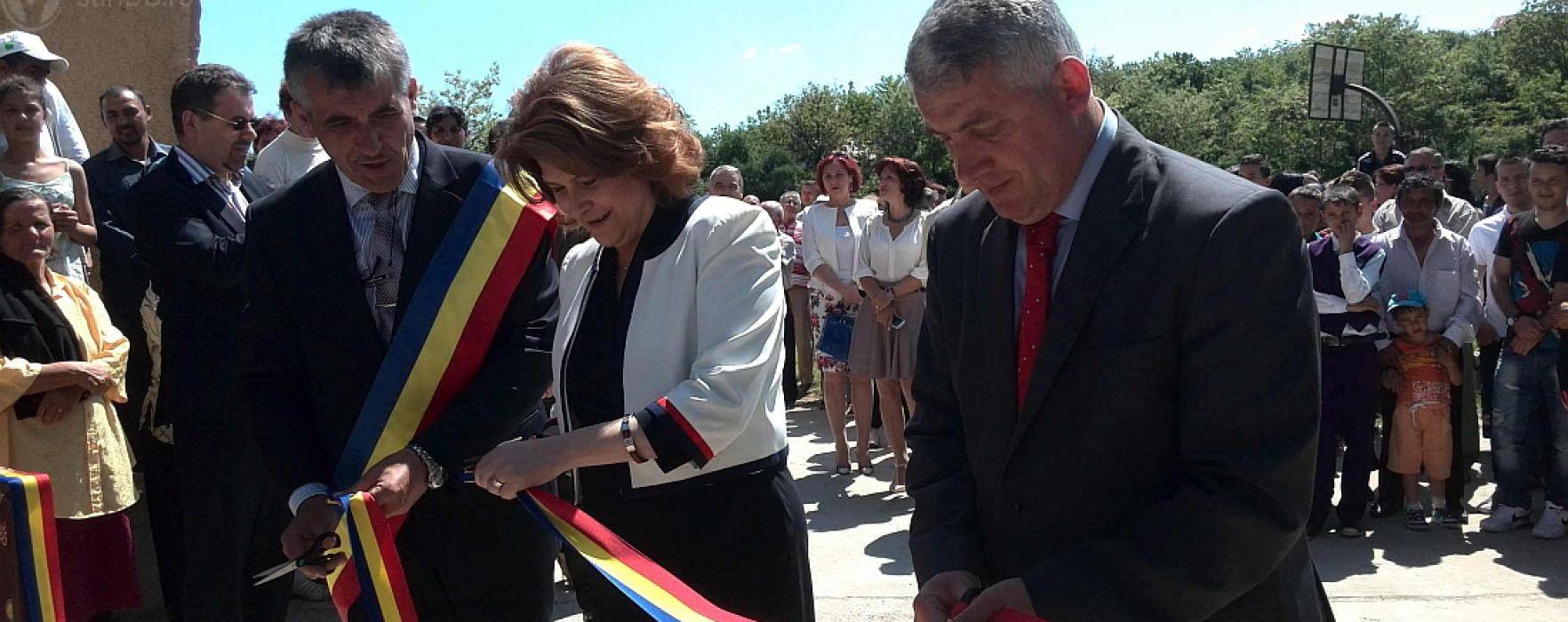Centru rezidenţial de tip familial, inaugurat la Şotânga în prezenţa ministrului Muncii