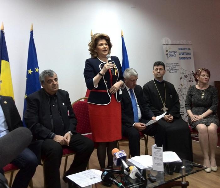 Ministrul Rovana Plumb a participat la un simpozion dedicat familiei, la Târgovişte