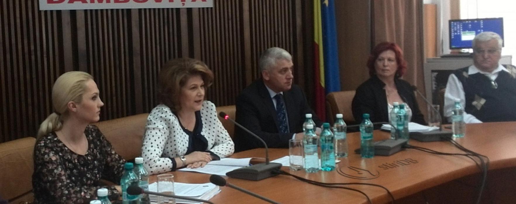 Ministrul Rovana Plumb, întâlnire de lucru la Târgovişte cu directorii DGASPC din ţară