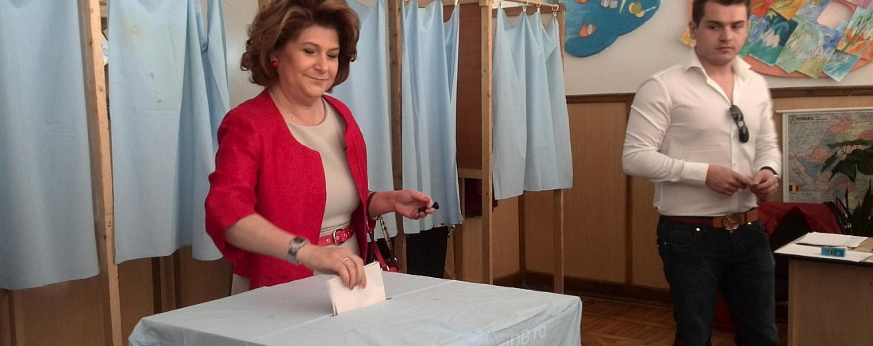 Ministrul Muncii, Rovana Plumb, a votat la Pucioasa