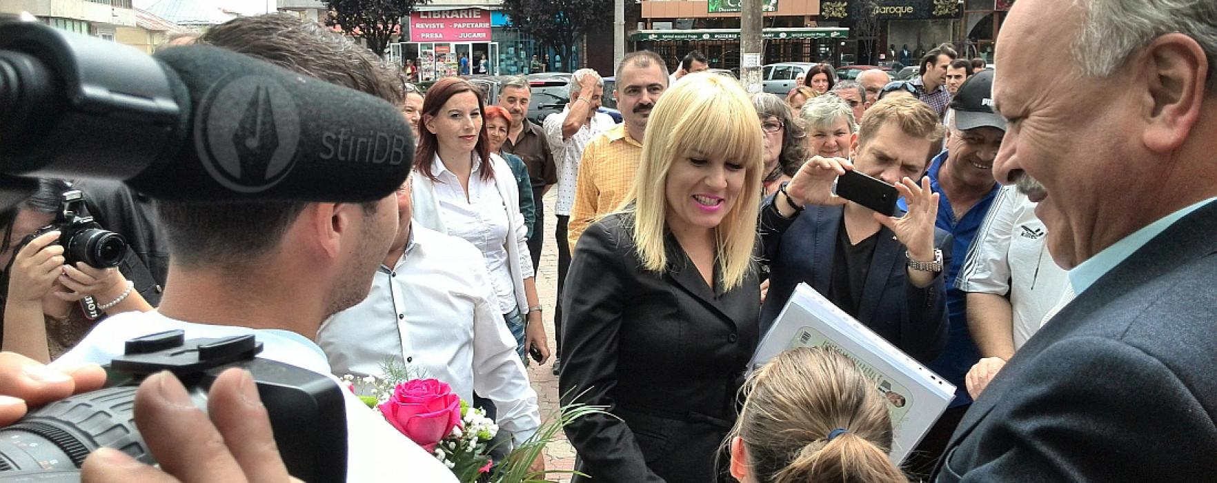 Elena Udrea, bine primită la Târgovişte