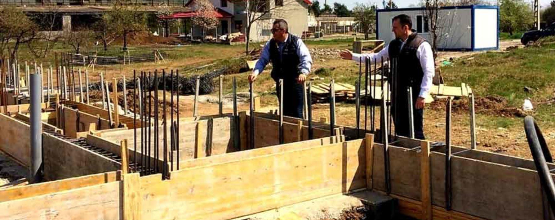 Târgovişte: Primarul Cristian Stan, mulţumit de stadiul lucrărilor la grădiniţa din Sagricom