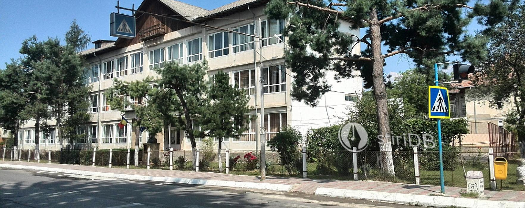 Şcoala Mihai Viteazu din Pucioasa, reabilitată cu bani europeni