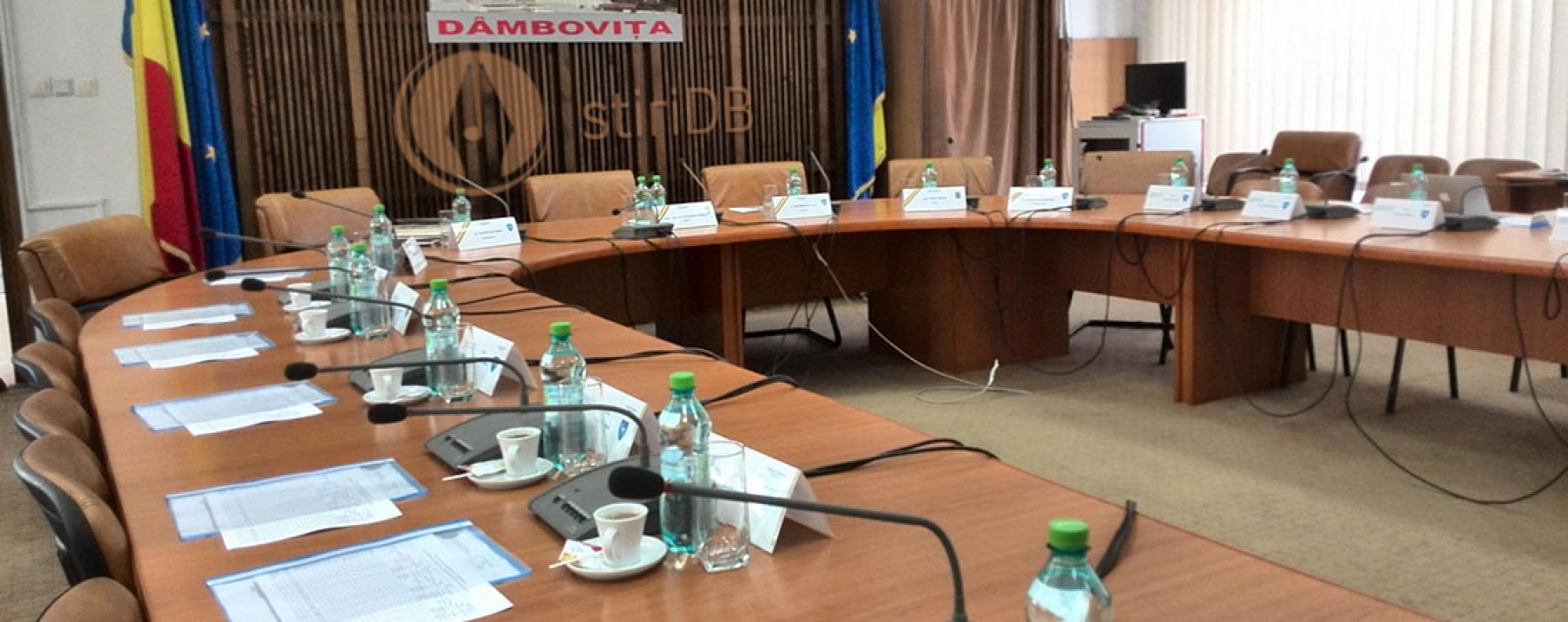 CJ Dâmboviţa: Şedinţa de rectificare bugetară nu s-a ţinut, independenţii au votat alături de ACL